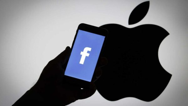 Facebook Apple feud raised after dispute made it to public over users data