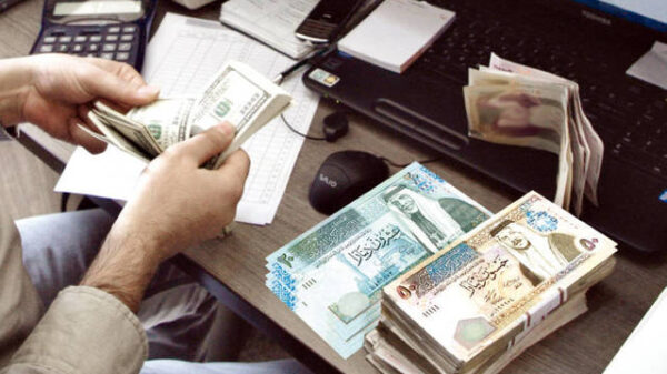 After complaints of currency shortage, the Palestine's Monetary pumped more Jordanian dinars into the local market.