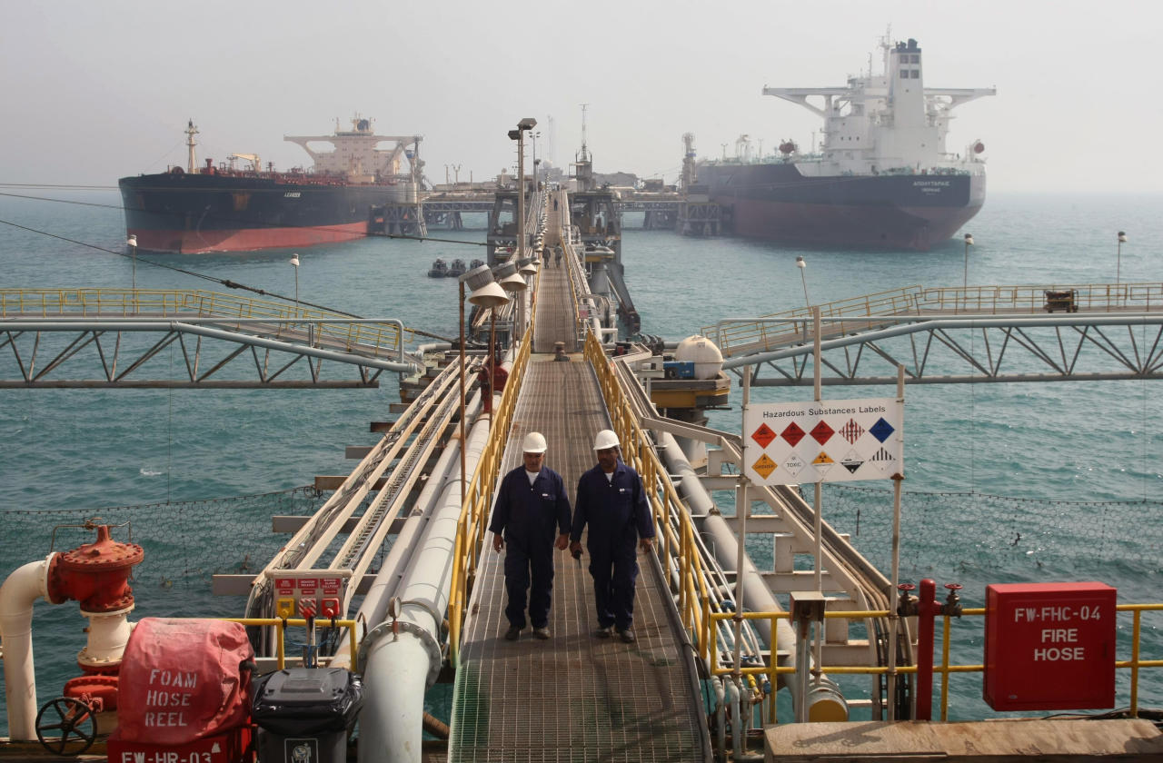 The Gulf states recorded their highest oil exports level in eight months last December.