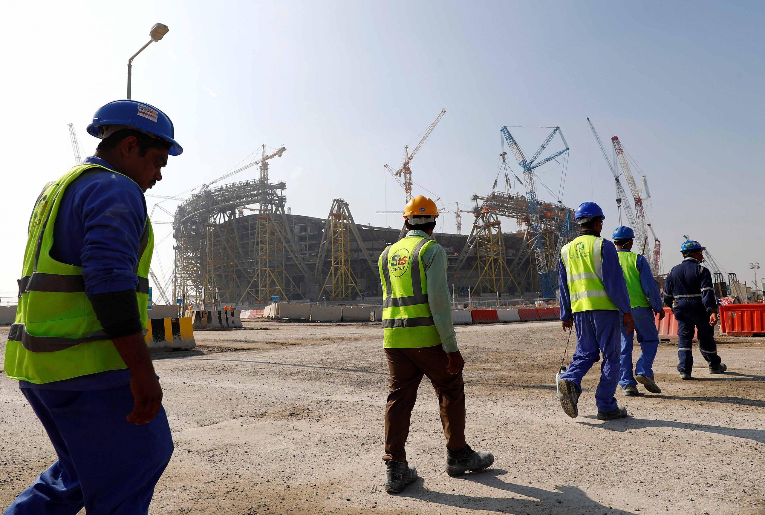 قطر تبدأ بتطبيق الحد الأدنى للأجور