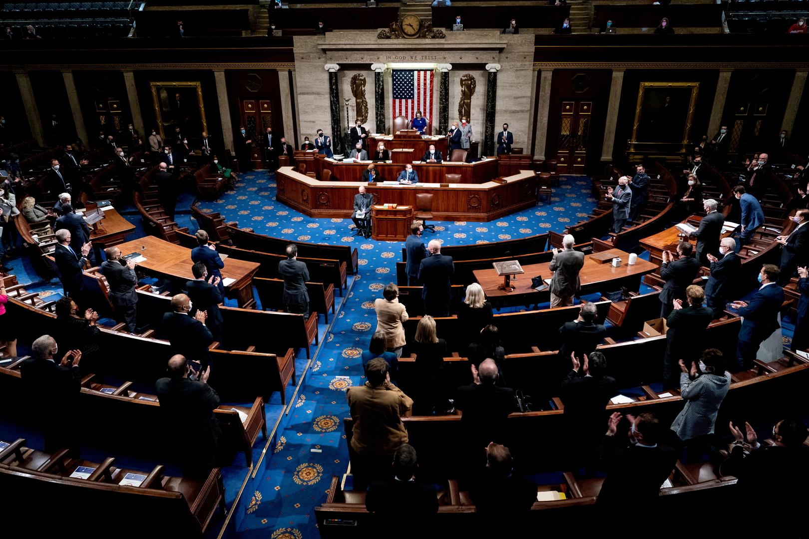 الشيوخ الأمريكي يوافق على خطة بايدن