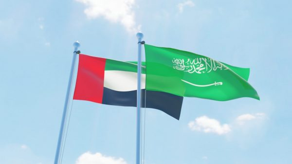 السعودية تتحدى الإمارات