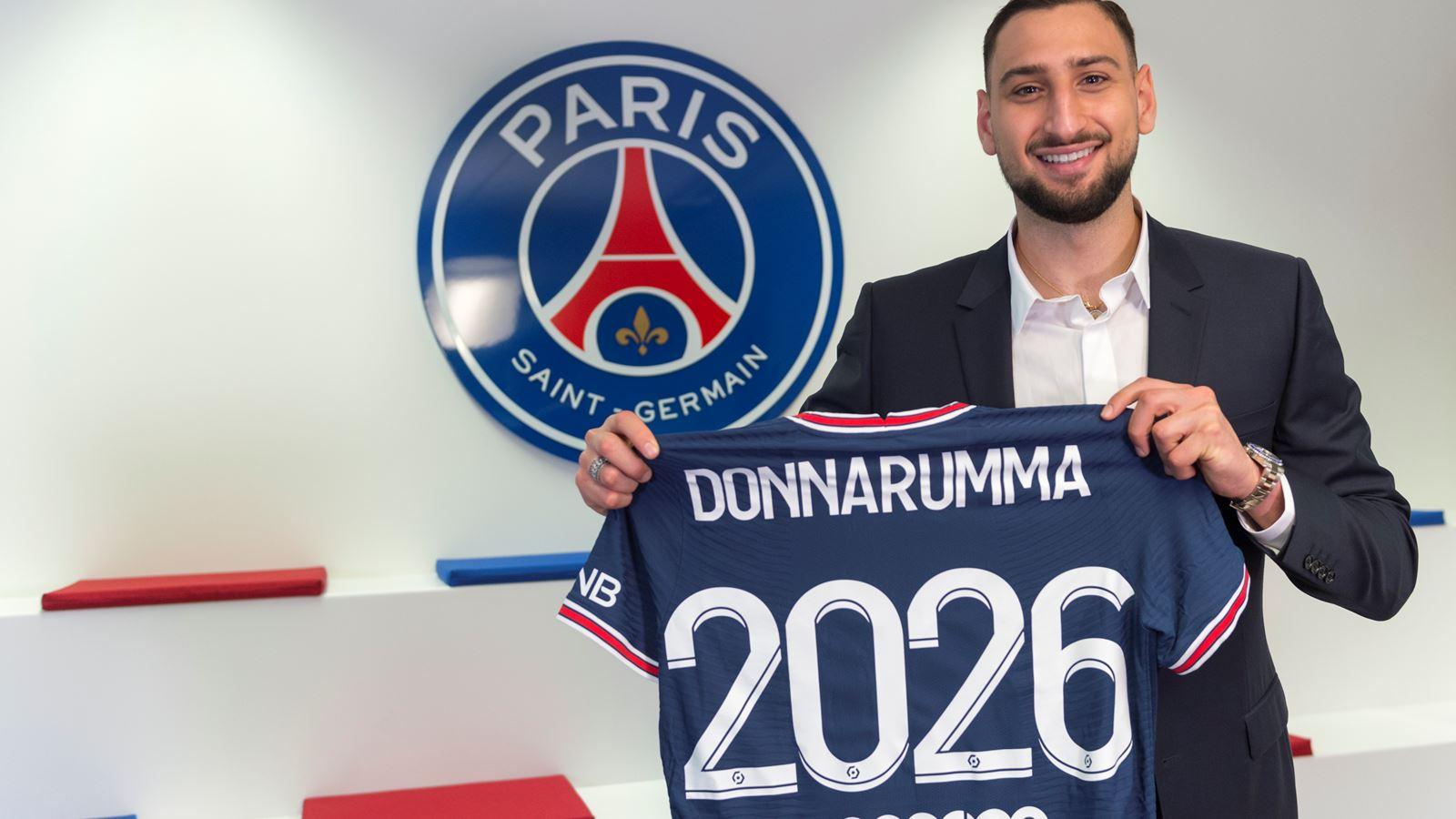 باريس سان جيرمان يضم الإيطالي دوناروما حتى 2026